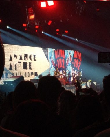 Blink-182 steals the stage at Cynthia Woods Pavilion
