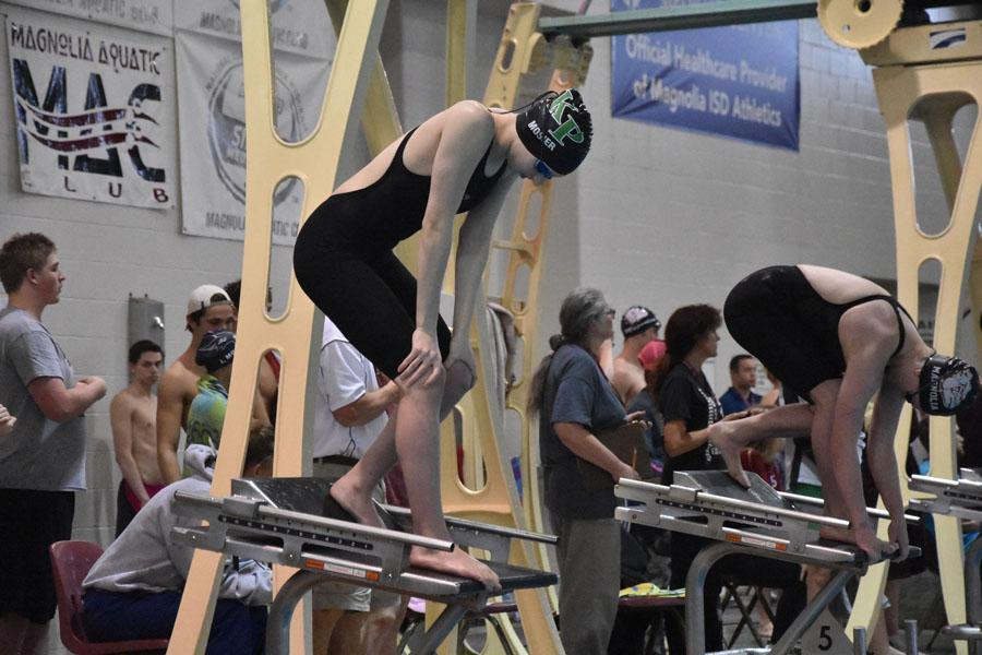 Junior Hannah Mosier prepares for a race at the regional competition.