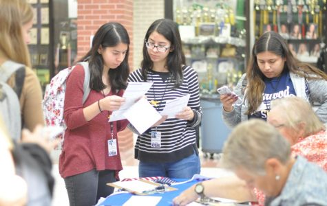 The League of Women Voters works with interested students during flex hour to help register them to vote.