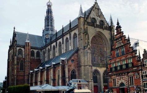 A visit to Haarlem should include a stop at the Haarlem Museum, which offers a glimpse of old Haarlem. Four centuries ago, Haarlem was a thriving commercial center rivaling Amsterdam.