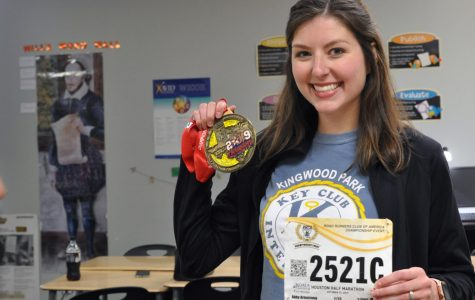 With half marathon experience in her past, English teacher Abby Armstrong prepares to run the Houston Marathon this weekend.